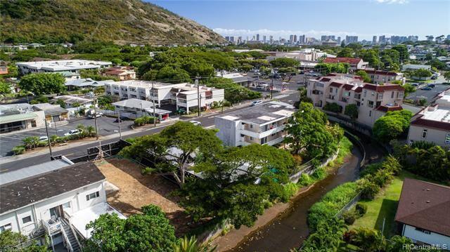 2958 East Manoa Road, Honolulu, HI 96822