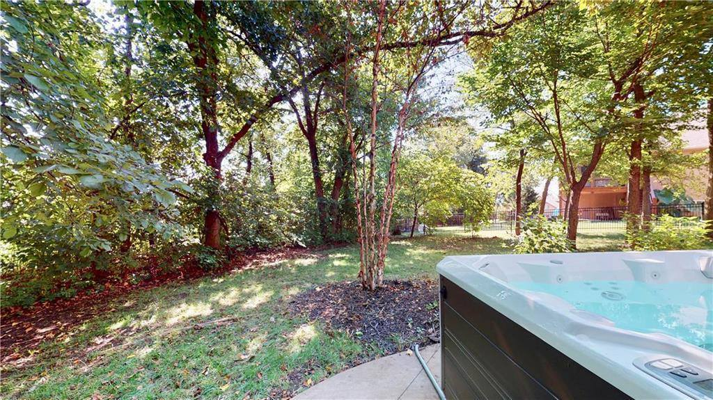 6823 Woodstock Court, Shawnee, KS 66218