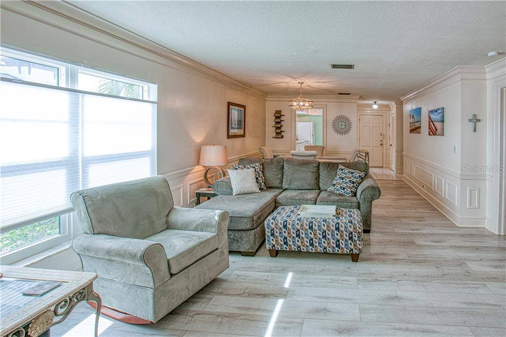 139 Bluff View, #101, Belleair Bluffs, FL 33770