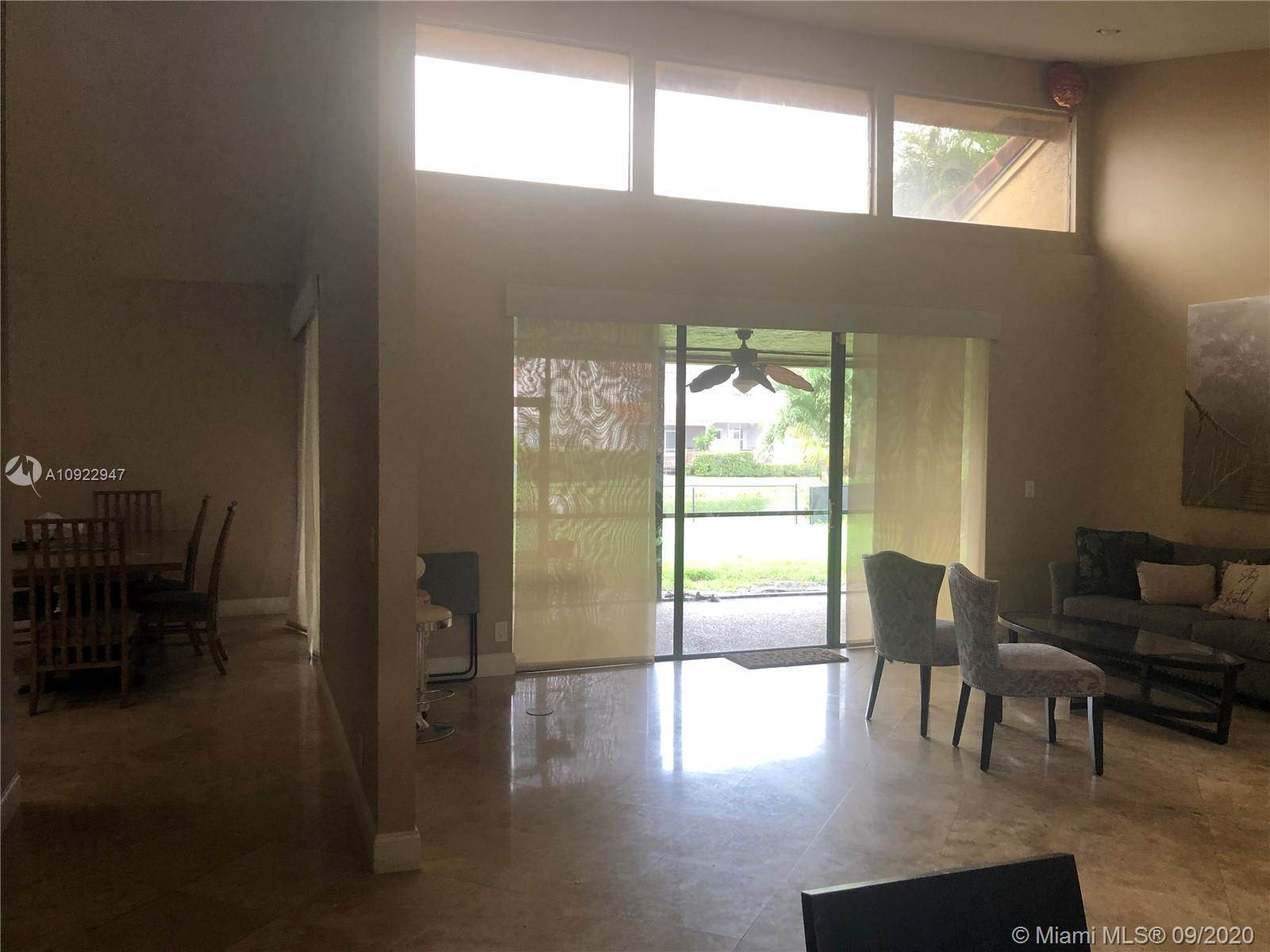 11005 SW 1st Ct, Coral Springs, FL 33071