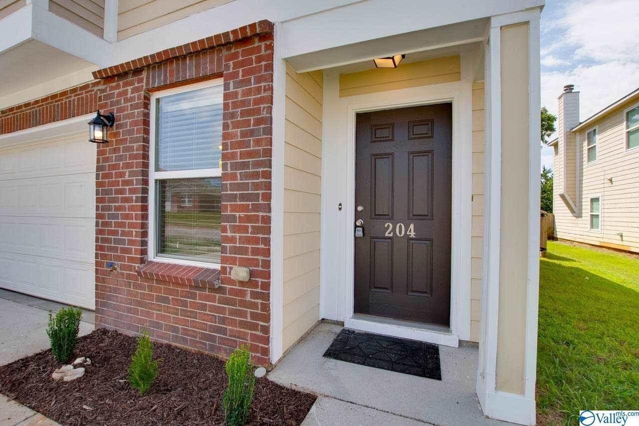 204 Whitestone Drive, Huntsville, AL 35810