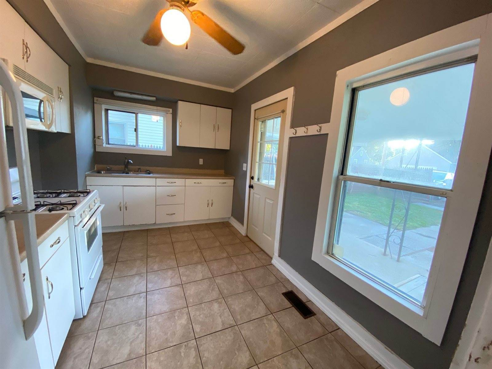 3745 S Boots Street, Marion, IN 46953