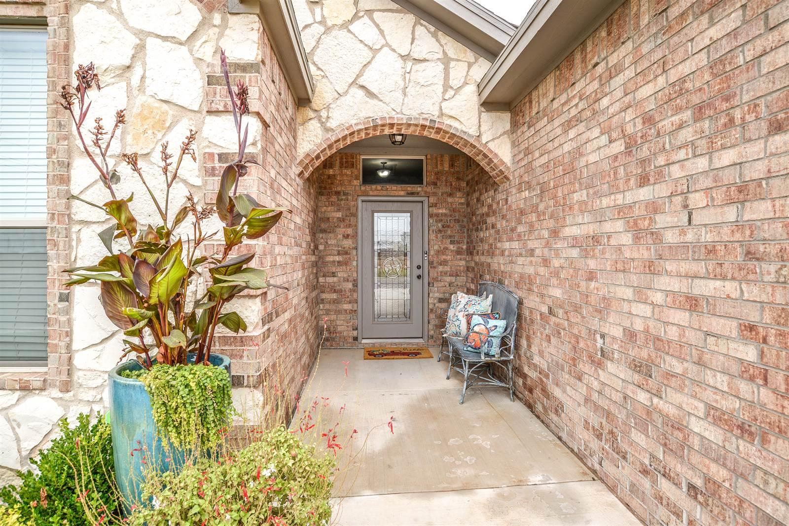 9612 Grover Ave, Lubbock, TX 79424
