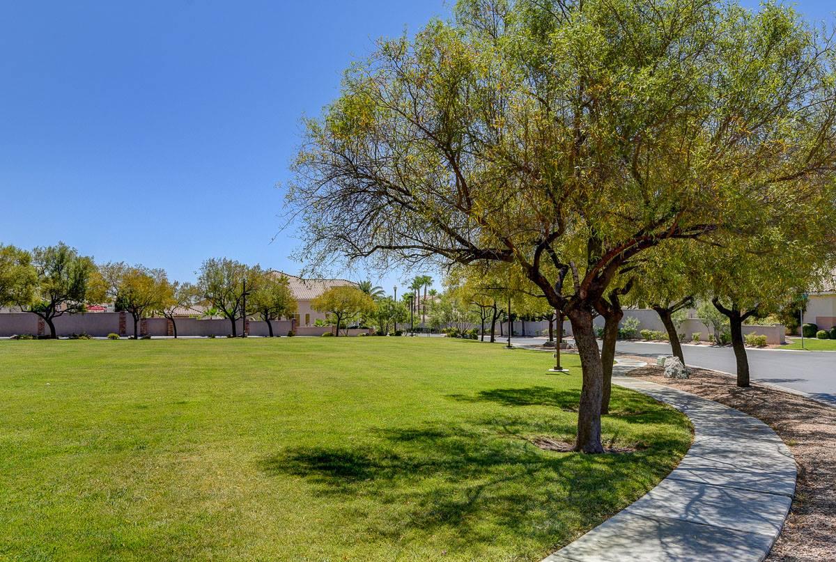 9768 Newport Coast Circle, Las Vegas, NV 89147