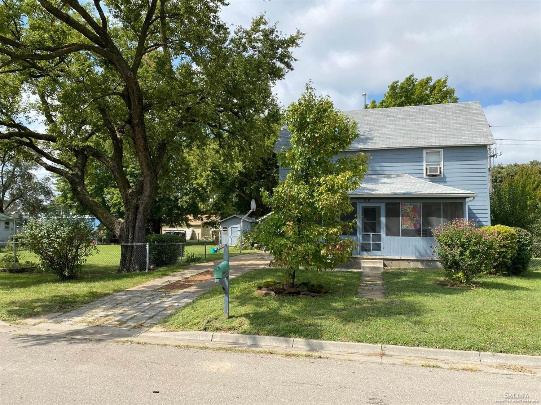 1011 North 5th Street, Salina, KS 67401