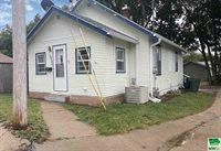 3526 Claude Ave, Sioux City, IA 51106