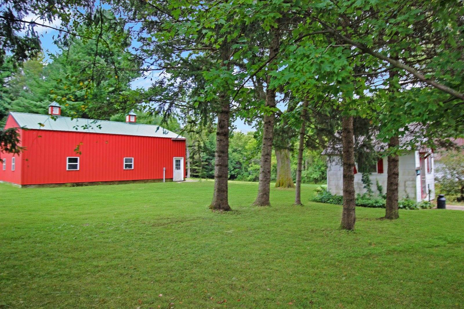 6484 Burr Oak, Freeport, IL 61032