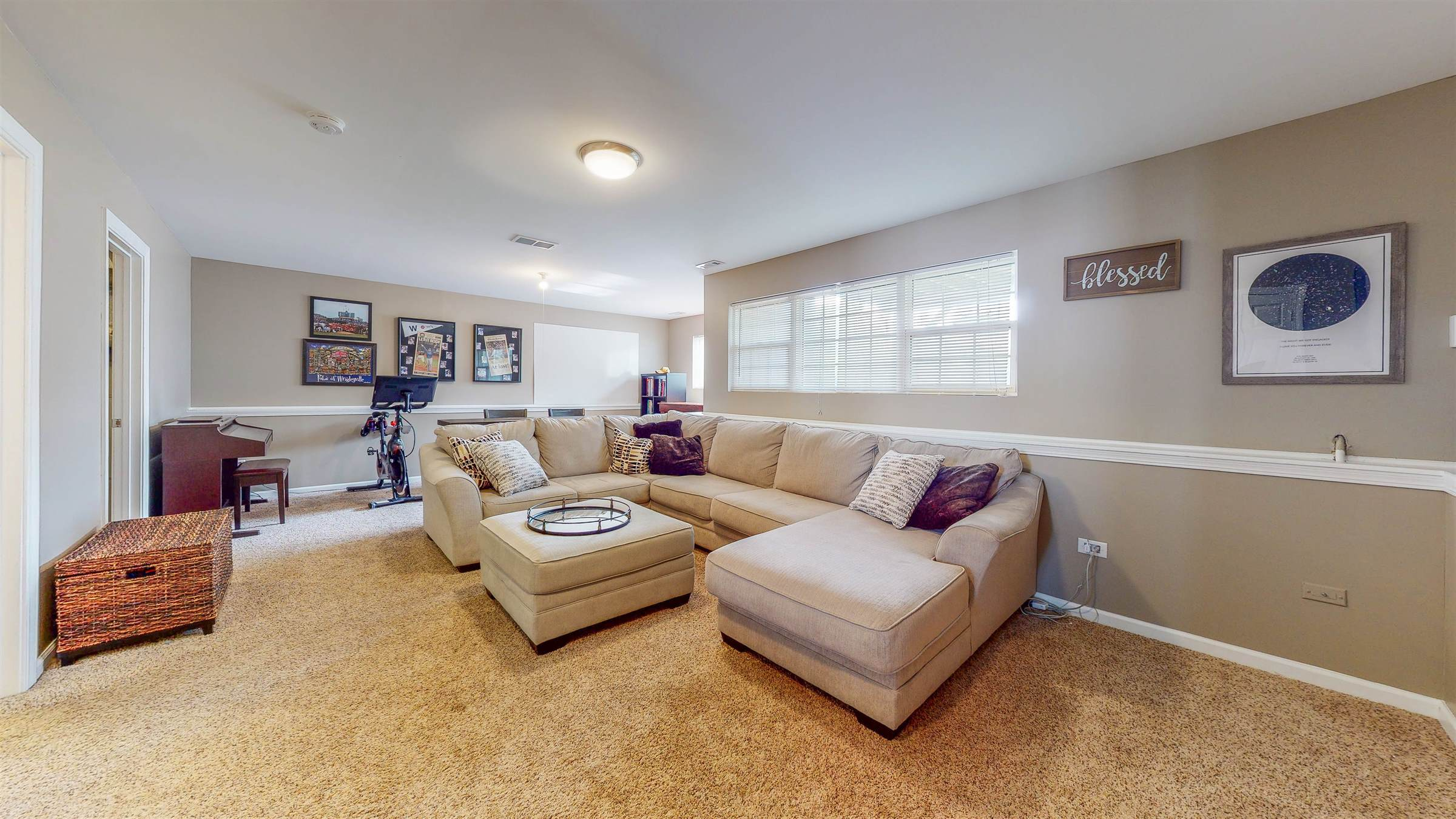 16033 Golfview Dr., Lockport, IL 60441