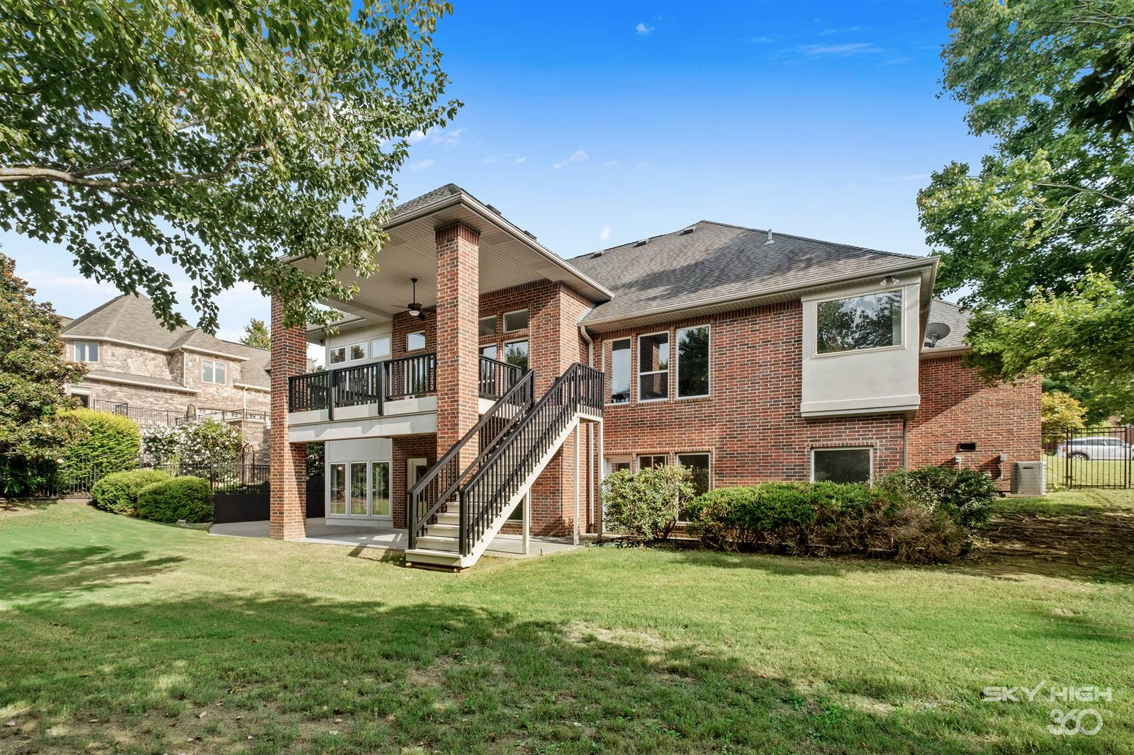 15 West Dover Drive, Rogers, AR 72758