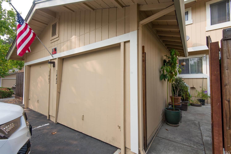 1442 Gold Way, Rohnert Park, CA 94928
