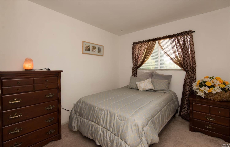 2471 Westvale Court, Santa Rosa, CA 95403