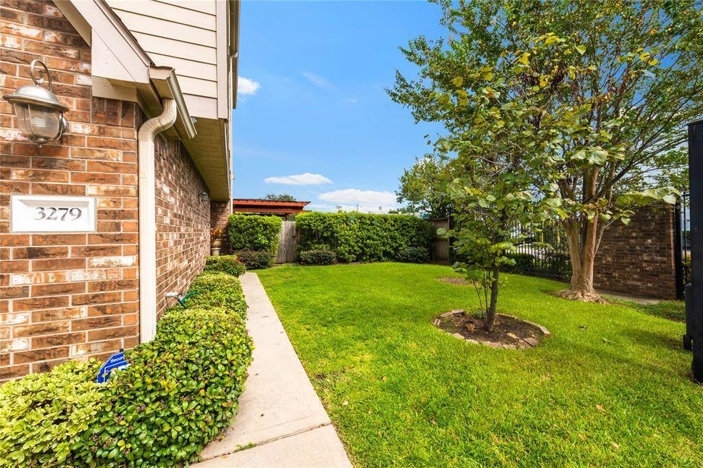 3279 Beverly Gardens Court, Houston, TX 77057