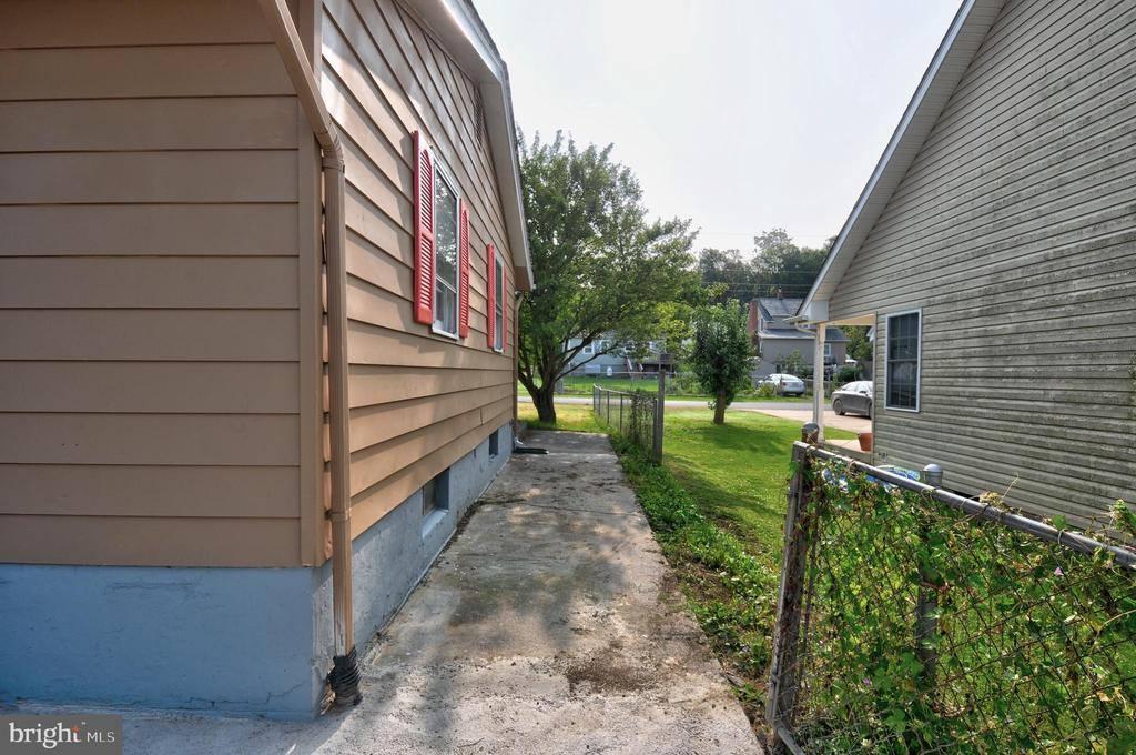 200 South Eberly Street, Strasburg, VA 22657