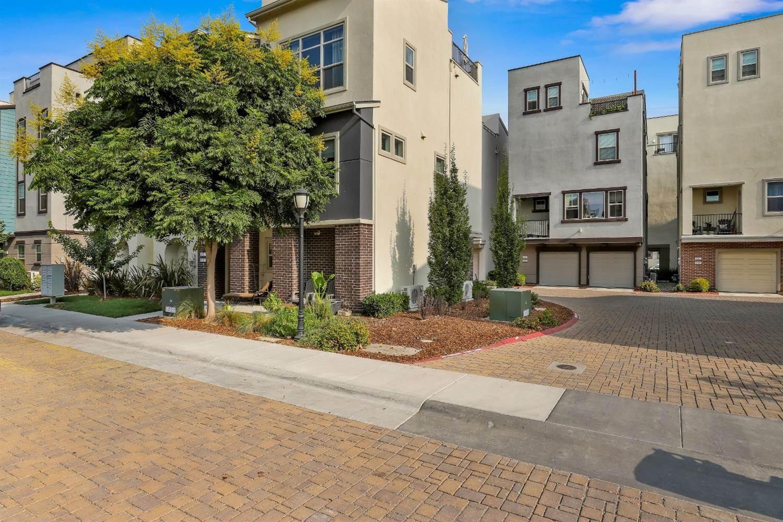 415 Lug Lane, #64B, Sacramento, CA 95818