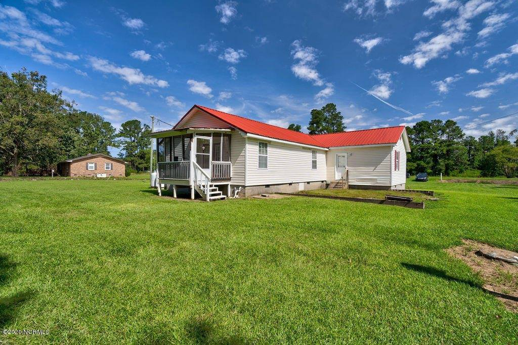 324 Green Swamp Road North, Bolton, NC 28423