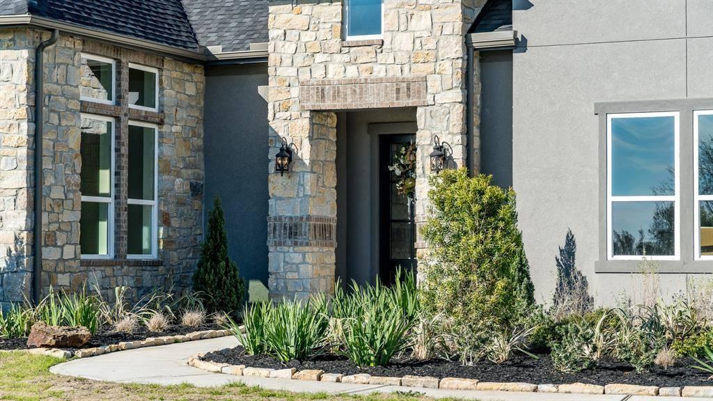 205 Reata Creek Drive, Hempstead, TX 77445
