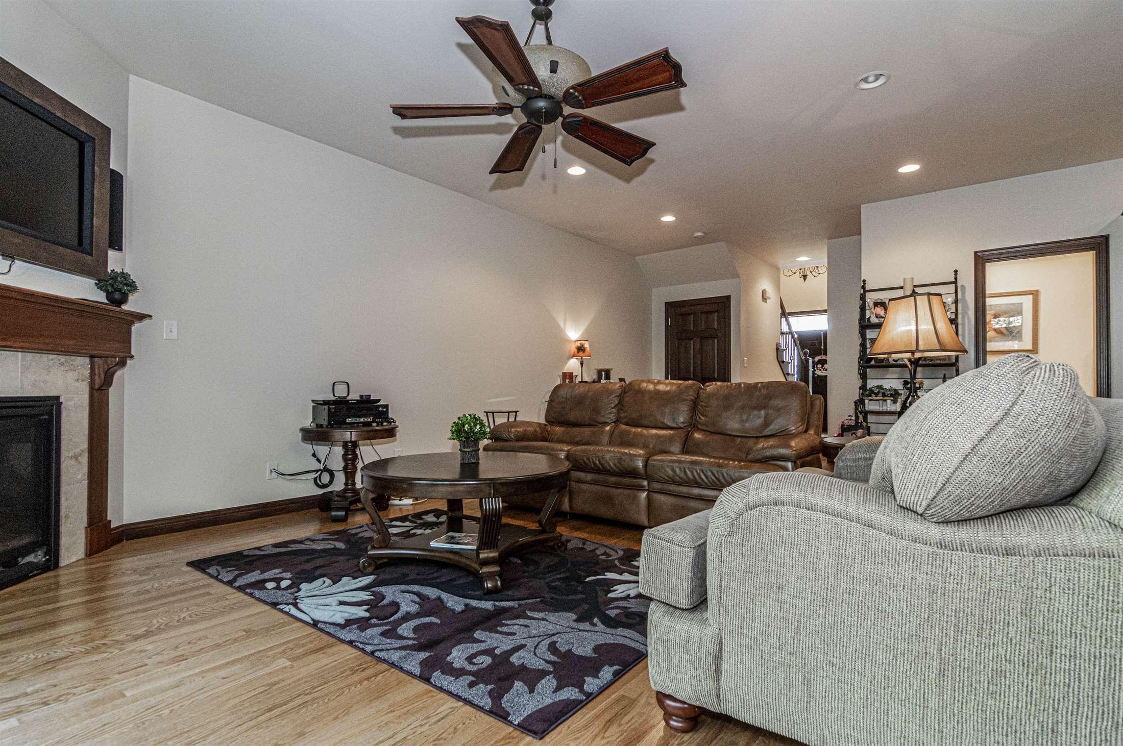 1400 Oaktree Place, Manhattan, KS 66503