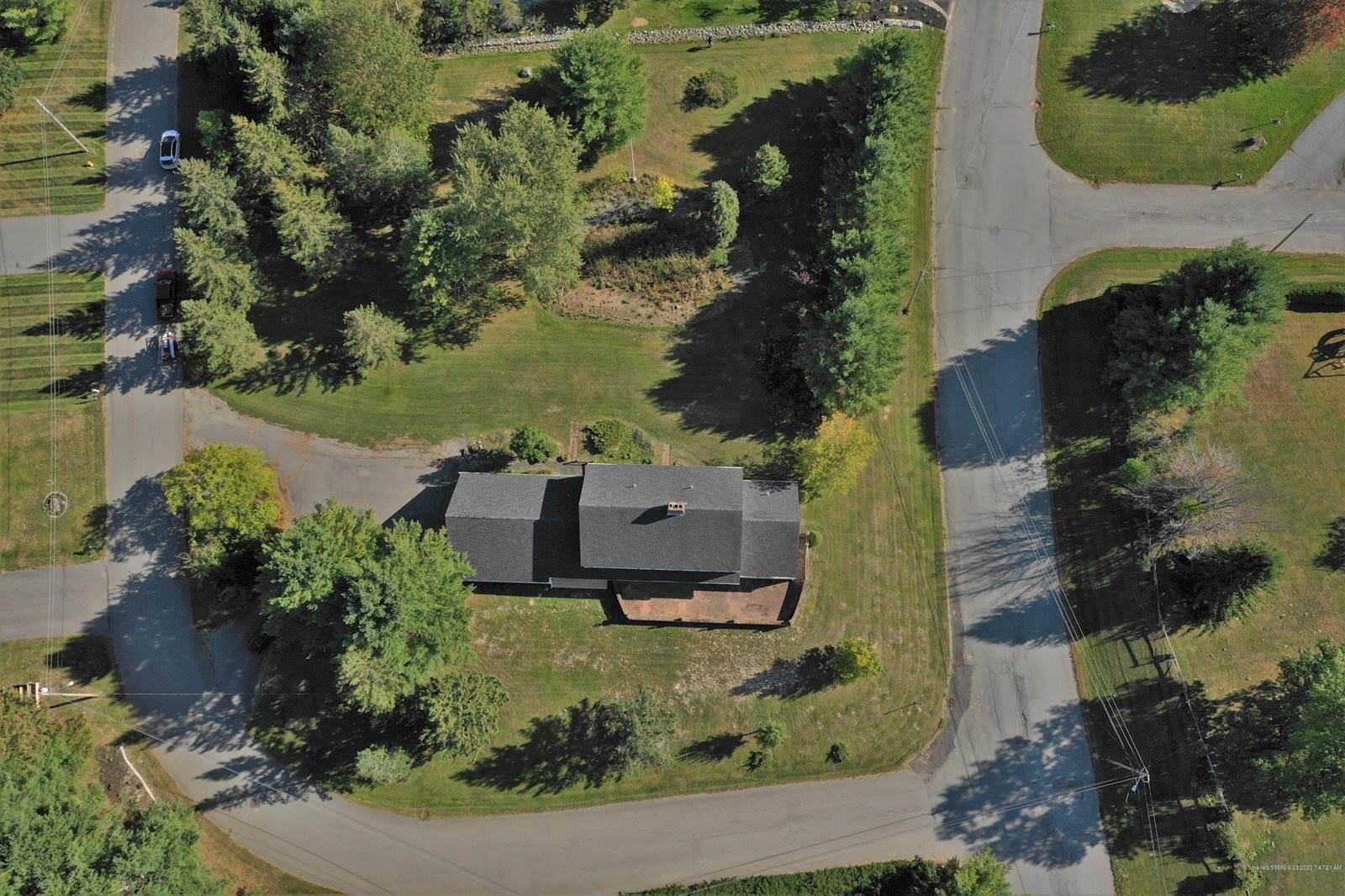 15 Meadow Lane, Brewer, ME 04412