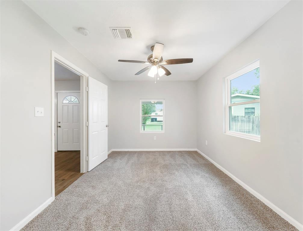 59 Lantana Court, Lake Jackson, TX 77566