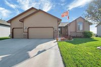8864 N Saddlebrook Ct, Park City, KS 67147