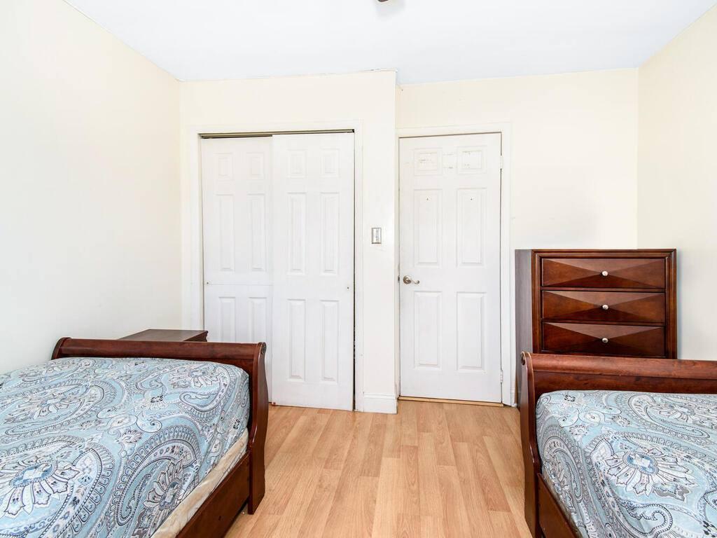 836 Leland Ave, Bronx, NY 10473