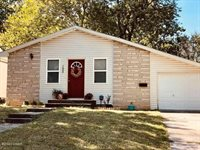 1604 Jefferson Circle, Webb City, MO 64870