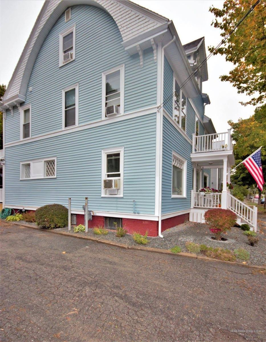 86 Grove Street, Bangor, ME 04401