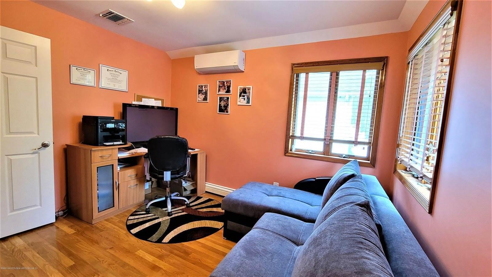 365 Genesee Avenue, Staten Island, NY 10312