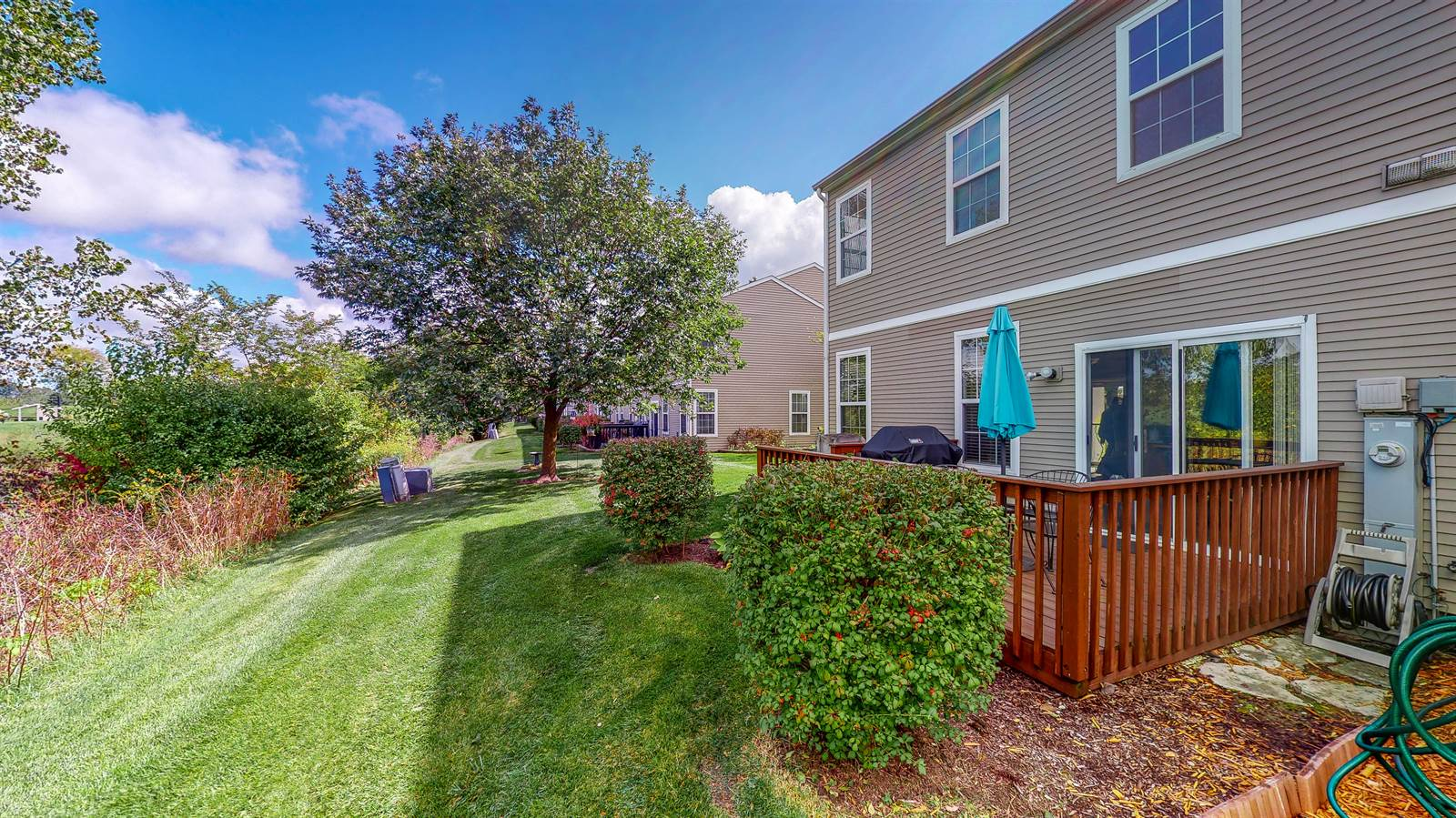 16142 Golfview Dr, Lockport, IL 60441