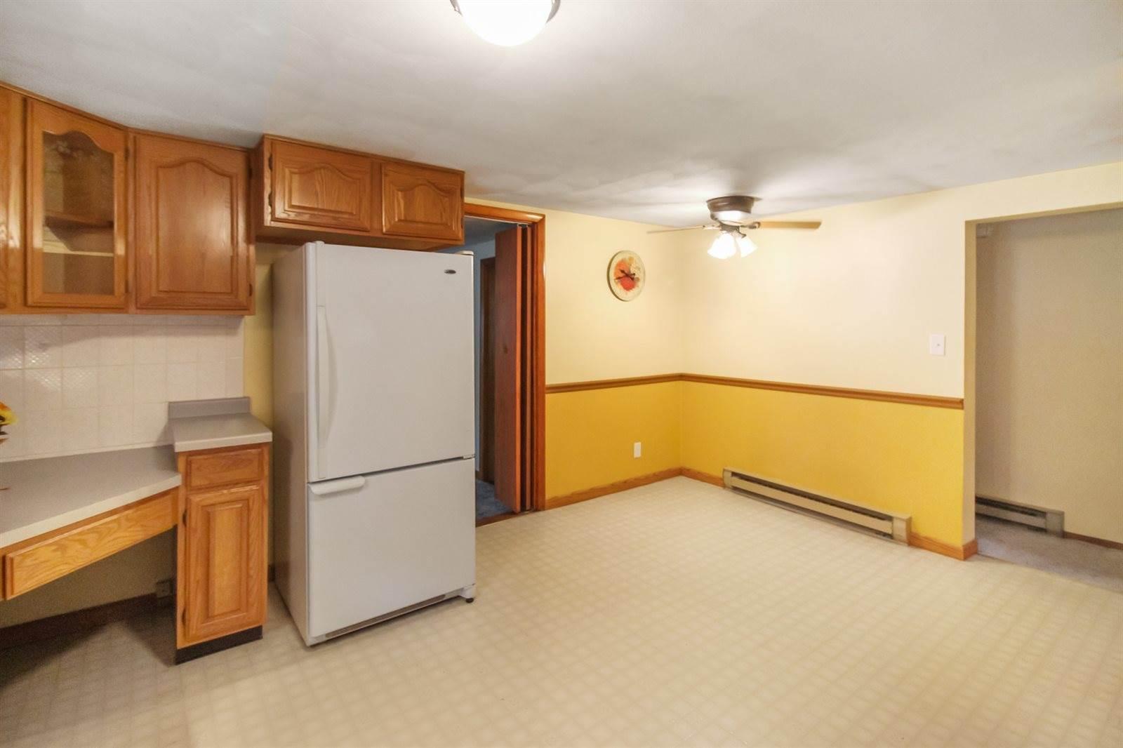 45 Adams, Cedarville, IL 61013