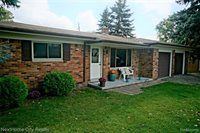 118 Brewster Road, Rochester Hills, MI 48309