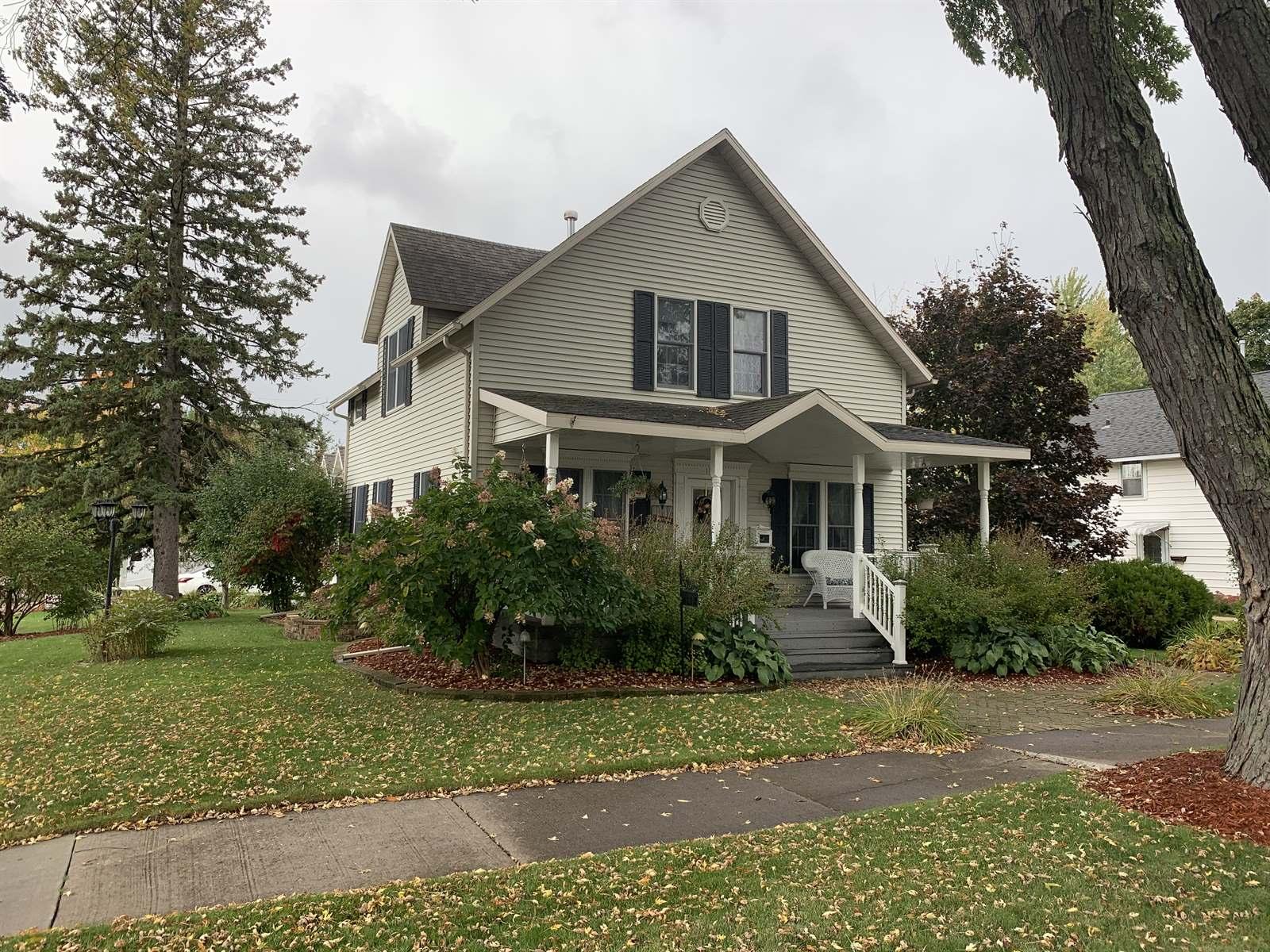 1112 S Cedar Avenue, Marshfield, WI 54449