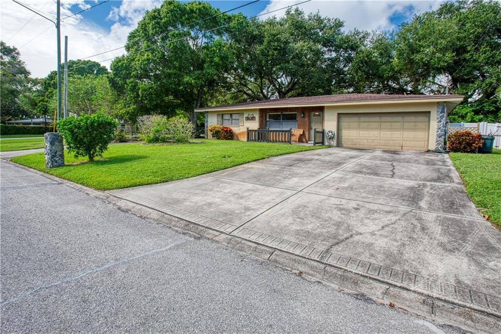 10427 Blossom Lake, Seminole, FL 33772