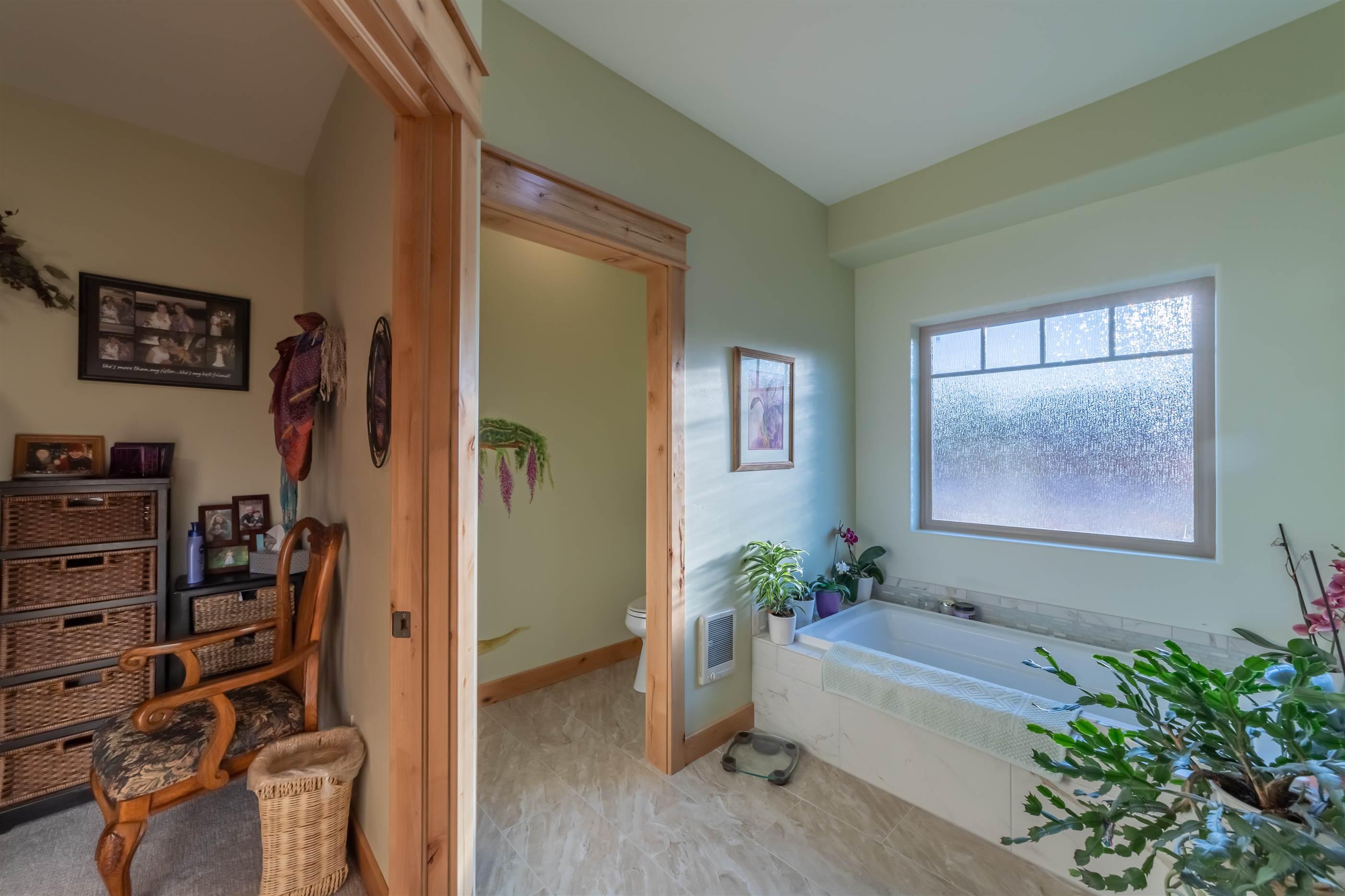 3922 Lone Tree Lane, Montrose, CO 81403