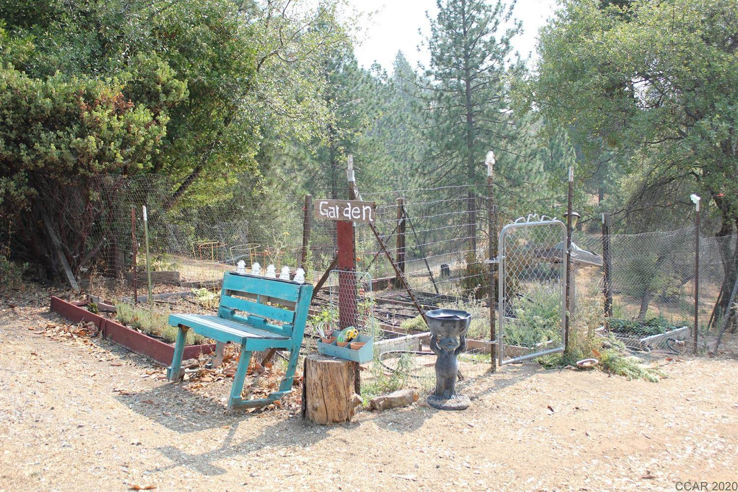 7074 Old Gulch Rd Road, Mountain Ranch, CA 95246