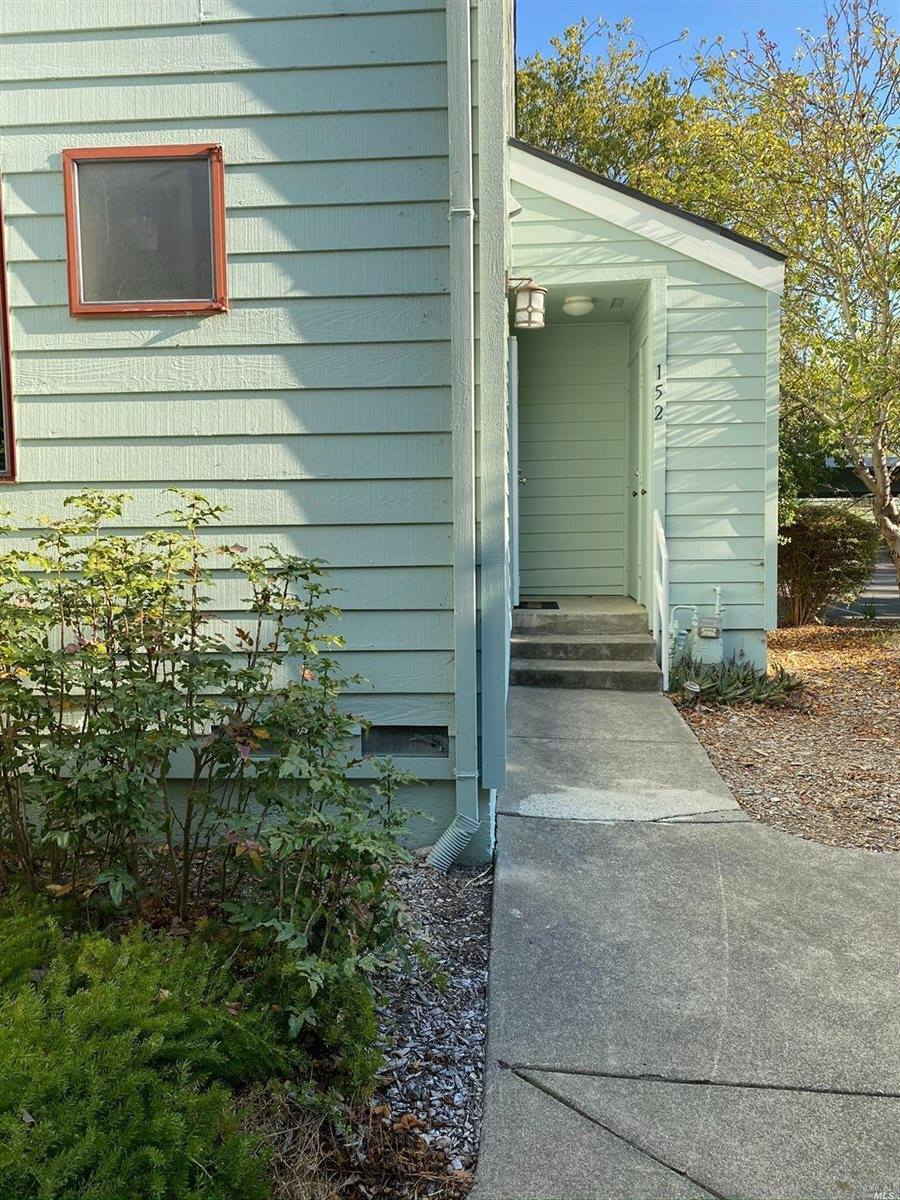 152 Courtyards East, Windsor, CA 95492