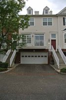 3 Smit Ct, Jersey City, NJ 07305