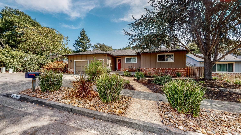 3428 Castlerock Court, Santa Rosa, CA 95404