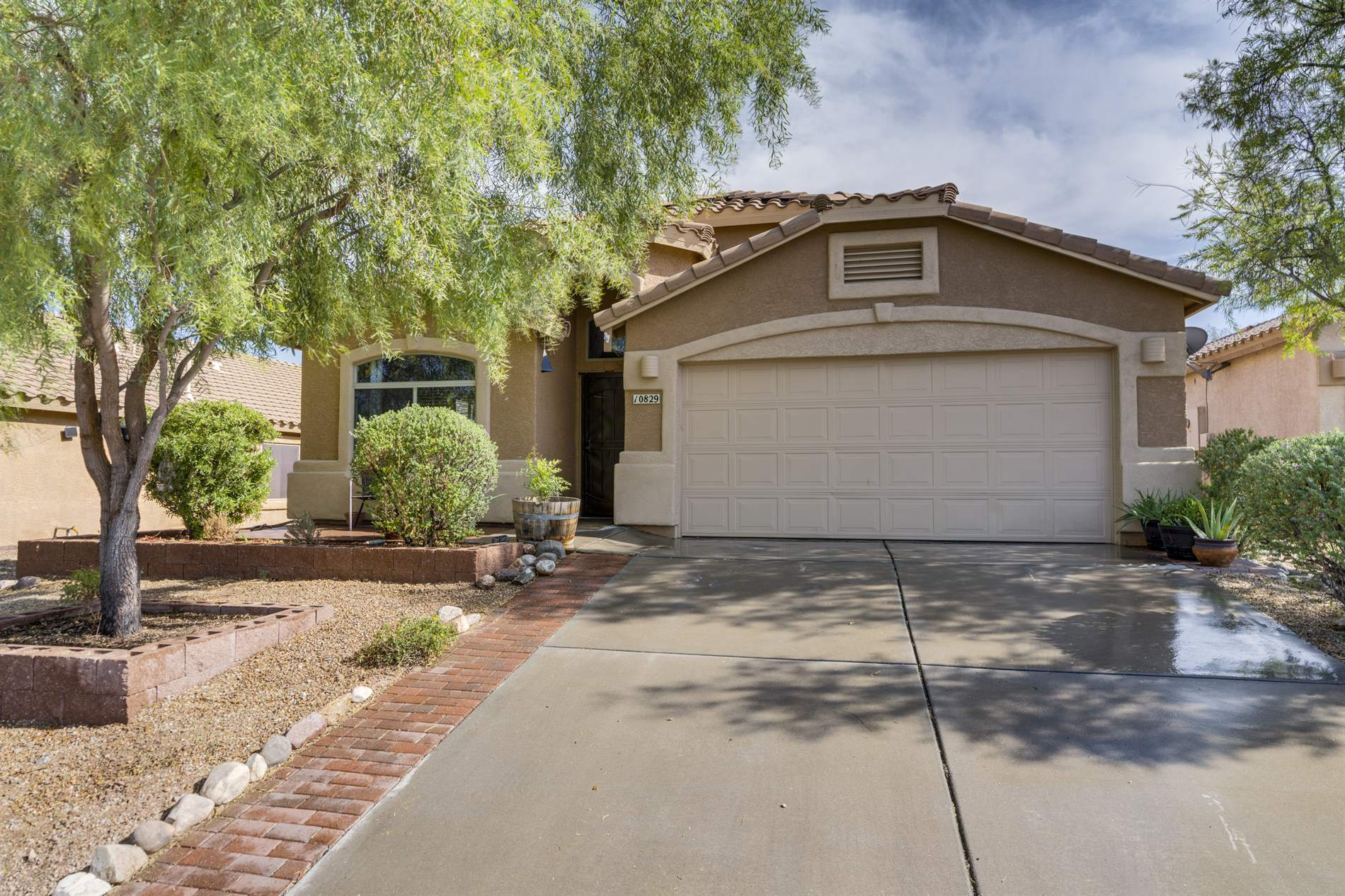 10829 S Piety Hill Drive, Vail, AZ 85641