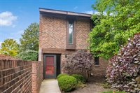 2801 Downing Way, #46, Upper Arlington, OH 43221
