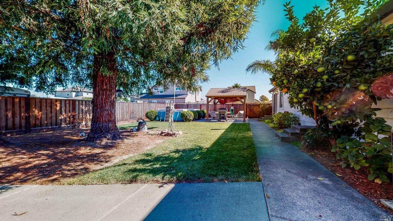 2145 Dennis Lane, Santa Rosa, CA 95403