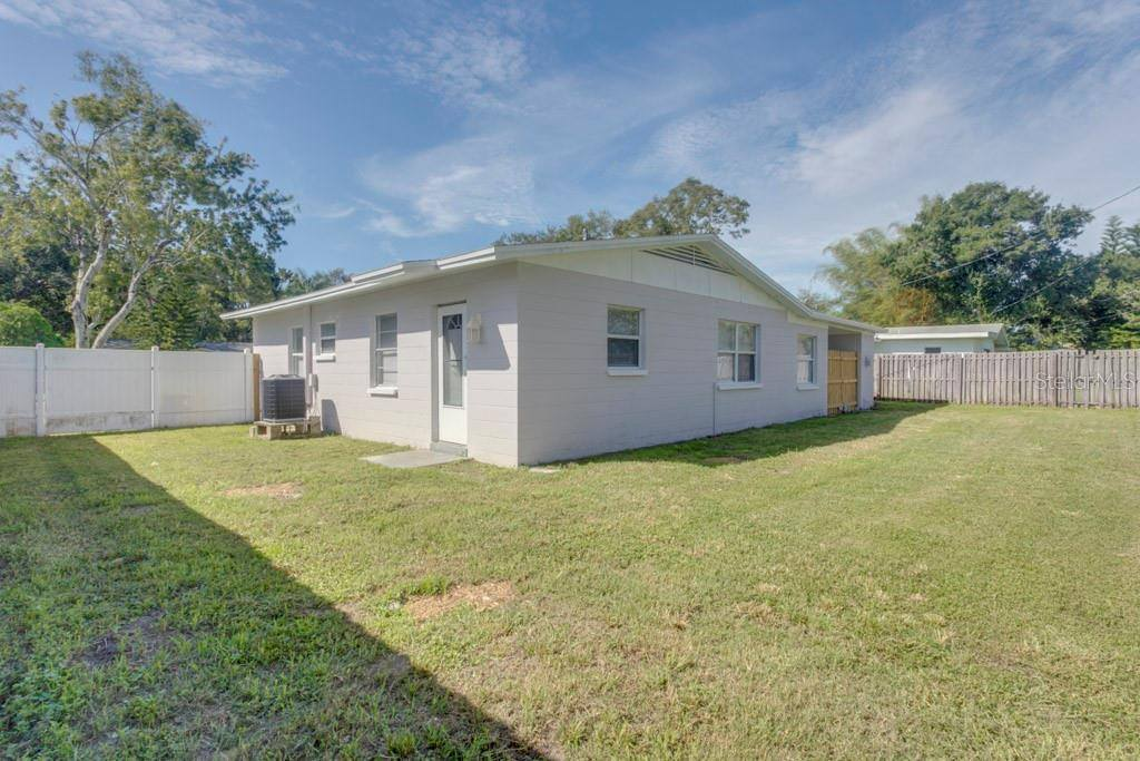 1261 79th Avenue N, St Petersburg, FL 33702