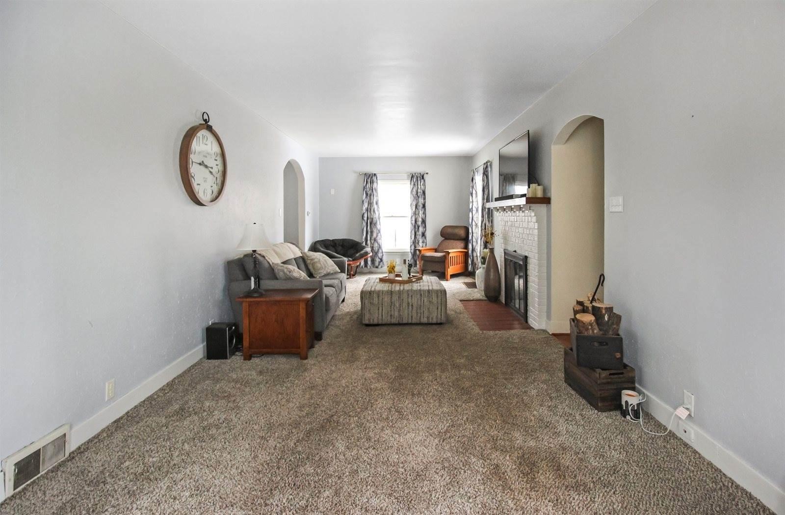 1351 Stover, Freeport, IL 61032
