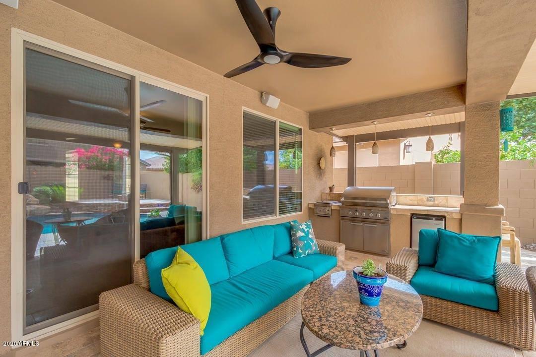 671 West Leatherwood Avenue, San Tan Valley, AZ 85140