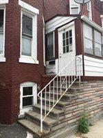 97 Newton St, Holyoke, MA 01040