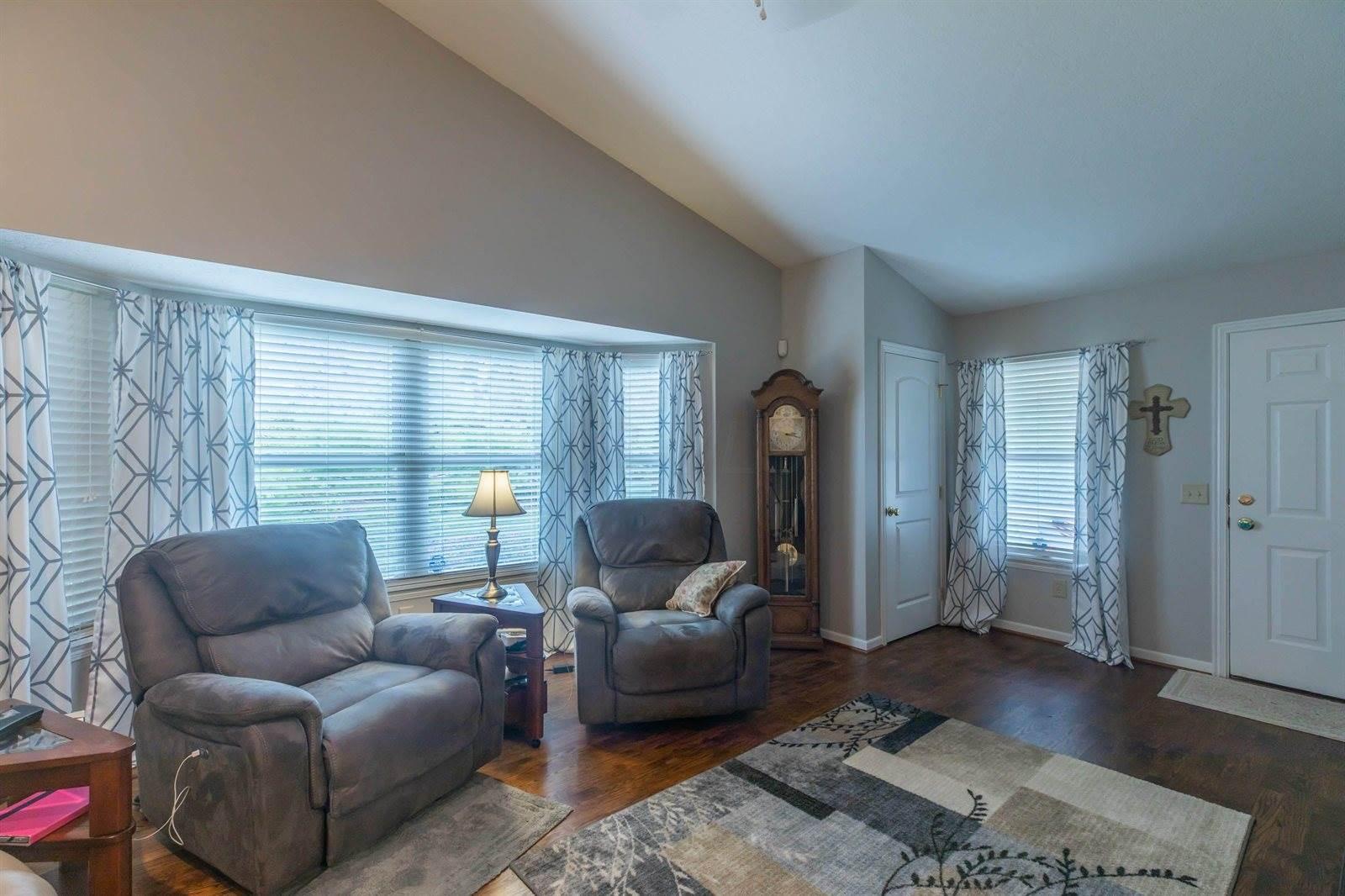 8335 Smoky Row Road, Powell, OH 43065