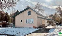 104 E Washington St, Elk Point, SD 57025