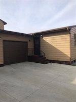 2307 N Main Ct, Williston, ND 58801