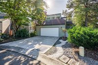 11637 SE Flavel St, Portland, OR 97266
