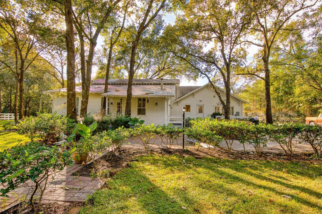 17710 Jeanie Drive, Tomball, TX 77377